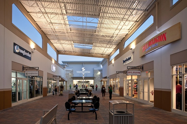 Home > Outlet Malls > Dallas, TX Outlet Malls Dallas, TX Outlet Malls Search outlet malls near Dallas, TX to find the best and most convenient outlet shopping in the area.