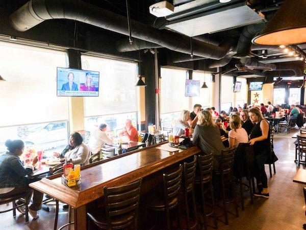 Best Sports Bars in Dallas: Locals' Favorites