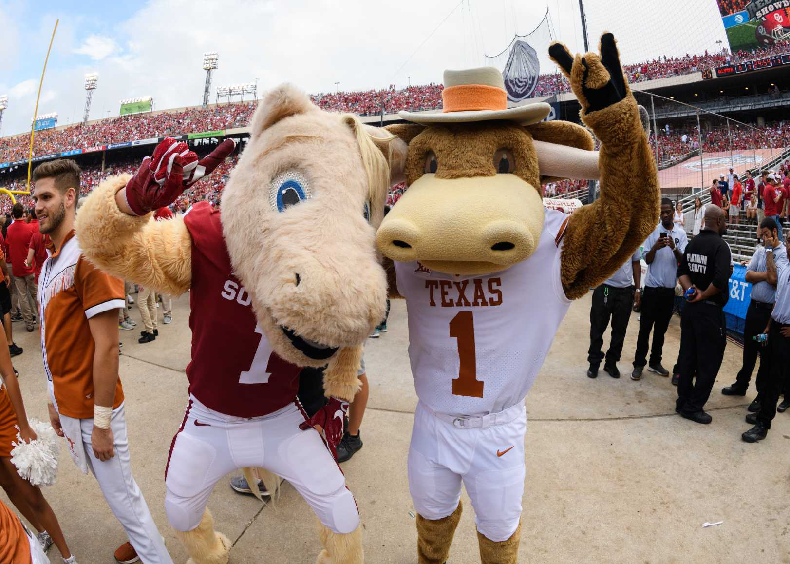 AT&T Red River Showdown