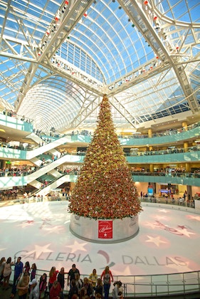 Galleria Dallas - Illumination Celebration