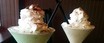 Girl Scout Cookie Milkshakes at Kenny's Burger Joint in Plano